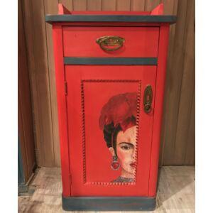 Frida Kahlo éjjeli szekrény