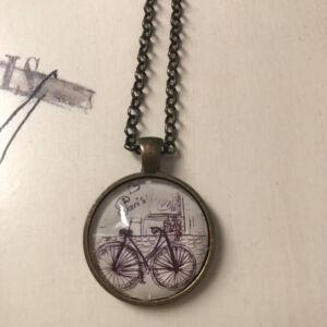 Üveglencsés nyaklánc - Biciklivel Párizsban