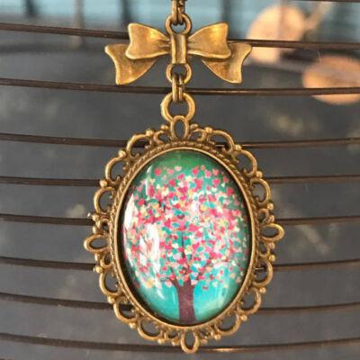 Üveglencsés nyaklánc - Virágzó cseresznyefa