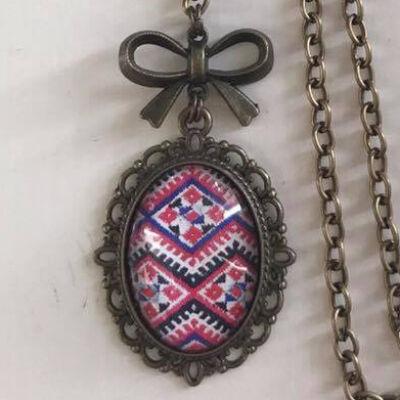 Üveglencsés nyaklánc - Pink-fekete
